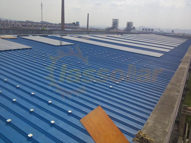 浙江义乌 1.2MW彩钢瓦项目Yiwu China 1.2MW Pitched Roof Mount Project.jpg